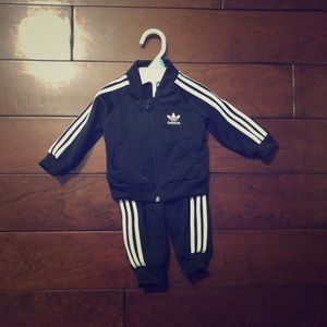 Adidas tracksuit giftset(0-3months)